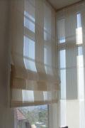 Fehér csíkos roló függöny