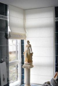 raffroló, fehér fürdőszobába