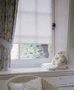 Különleges függöny megoldás babaszobába