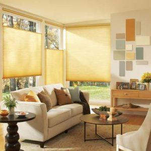 Különleges megoldás mobil pliszé nappaliban