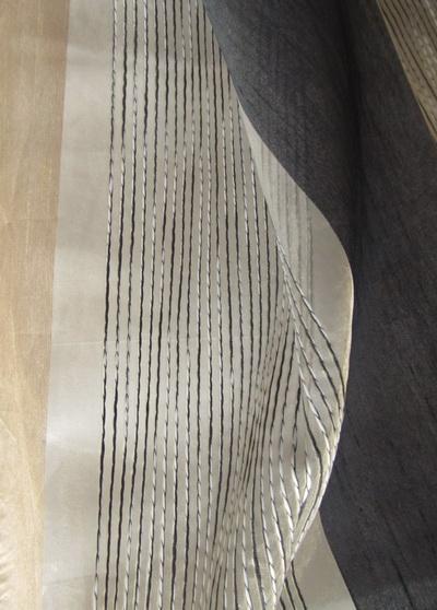 Csíkos-modern-fényáteresztő-függöny