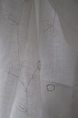 11 Tört fehér-hímzett-fényáteresztő-függöny