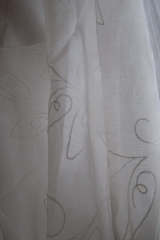 14 Tört fehér-hímzett-fényáteresztő-függöny
