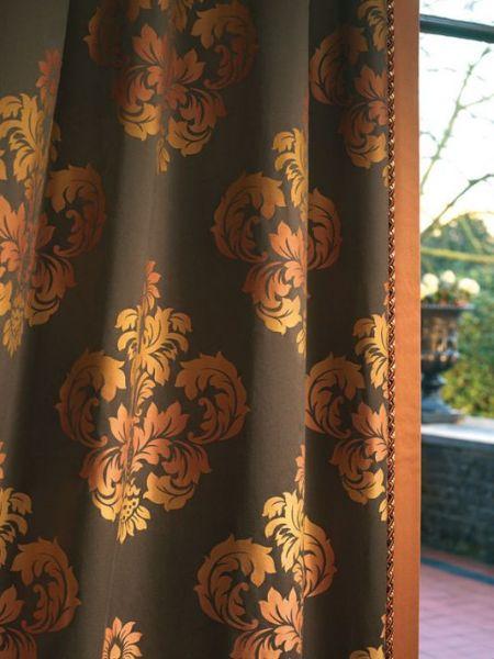 Klasszikus függöny, nagy mintával