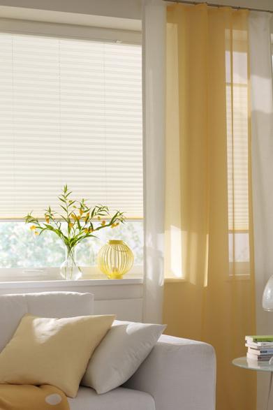 Modern függöny, pliszével
