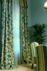 Angol rózsás, romantikus függöny, kék színvilággal